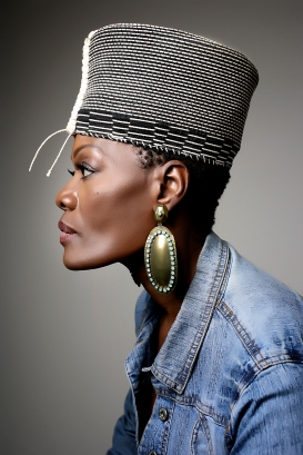 Gold Crown by Amelia Gray. Photo by Beverli Alford. http://www.beverlialfordphotography.com